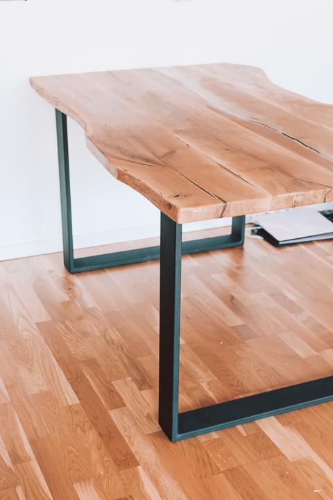 Unser Echtholz-Tisch nach Maß von Holzgold | White Tulips